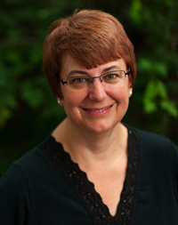 Head shot of Cathy Kipp
